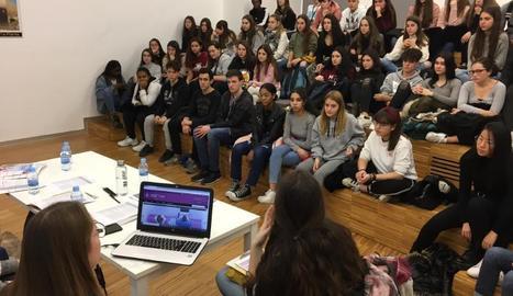 Un dels tallers amb estudiants de secundària de la Noguera.