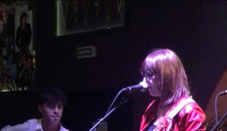 La periodista Mariví Chacón de Lleida TV va participar en el concert acompanyada del seu fill Iván.