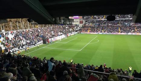 L'estadi de Vallecas, en el moment de ser decretada la suspensió temporal que després va ser definitiva.