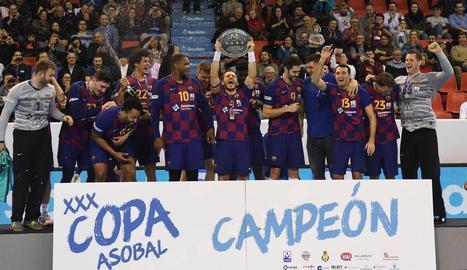 Víctor Tomàs va aixecar l'enèsim títol d'un Barça que no té rival a la competició domèstica.