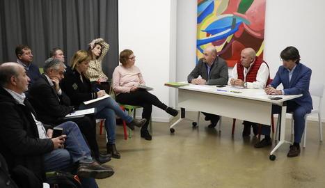 Un moment de la reunió que es va fer ahir a Afrucat.