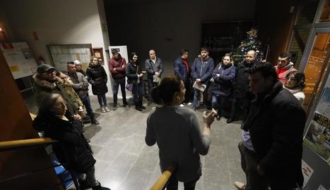 La cap dels serveis d'Habitatge es va reunir a Alcoletge amb veïns afectats i l'alcalde.