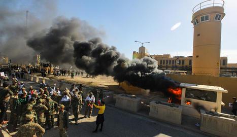 Imatge dels encontorns de l'ambaixada nord-americana atacada.