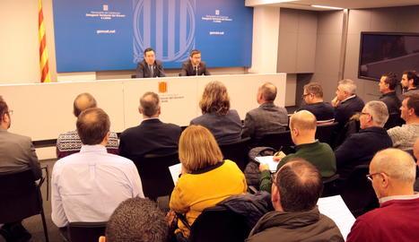 La reunió entre alcaldes de municipis fruiters i representants d'organitzacions agràries amb el delegat del Govern a Lleida, Ramon Farré, i el delegat territorial d'Agricultura, Ferran de Noguera.