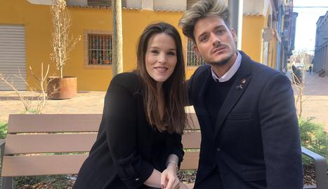 Raquel Sanchiz i Miquel Ros componen i produeixen cançons amb tonalitats, ritmes i harmonies senzilles per al públic familiar.