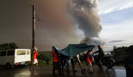 La cendra del volcà va arribar fins a la capital, a 60 quilòmetres.