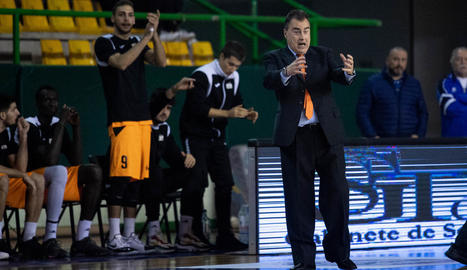 Marc Martí va viatjar a Ourense però no es va vestir de curt pels problemes que arrossega.