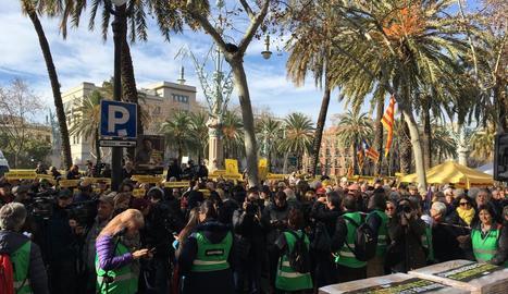 Concentració davant del TSJC en suport a Torra i Junqueras.