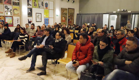 Reunió entre la Paeria i representants d'entitats per preparar la rua d'aquest any, ahir.
