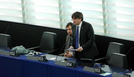 Puigdemont, al costat de Comín, en el primer discurs a Estrasburg.