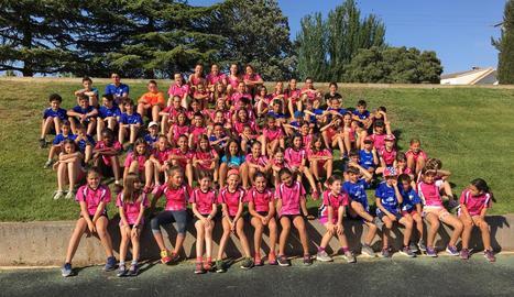 Un grup d'atletes de l'Escola del Lleida UA, en una imatge de la campanya passada.