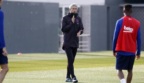 Quique Setién va dirigir ahir el primer entrenament com a tècnic del FC Barcelona.