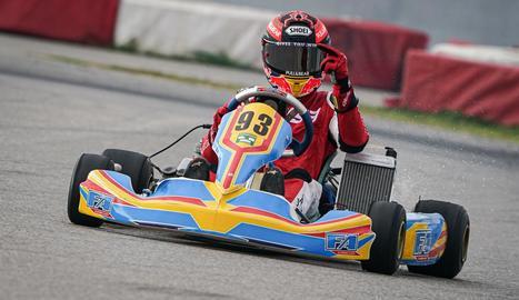 Marc Márquez pilota un kart com a part de la recuperació