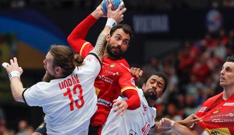 La selecció va mantenir el ple de victòries en el campionat.