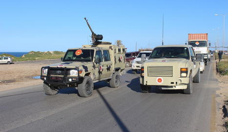 Imatge d'arxiu de vehicles armats a Líbia.