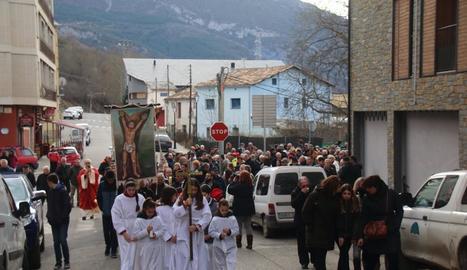 La processó en honor a sant Sebastià, ahir al Pont de Suert.