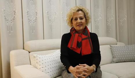 La consellera de Salut, al centre, ahir després de publicar el balanç.