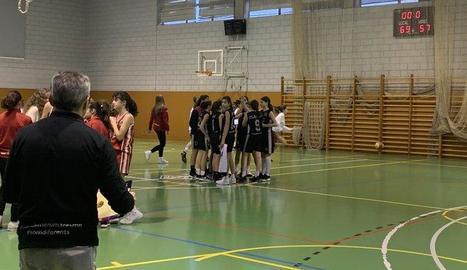 Imatge del final del partit entre el CB Lleida i el Femení Maresme.