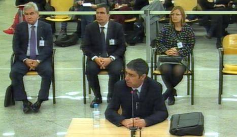 El Govern va intentar obtenir dades fiscals de persones i empreses a través dels Mossos, segons Trapero