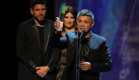 Els germans Muñoz, Estopa, van rebre l'Odeón al millor grup, mentre que Alejandro Sanz es va emportar el de millor àlbum, per '#Eldisco'.