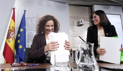 La portaveu del Govern (e) i la ministra de Funció Púbica (d).