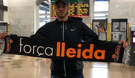 Eddy Polanco, ahir a l'arribada a l'estació de tren de Lleida.