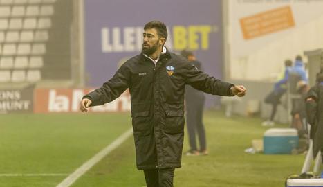 Molo, en un moment de l'últim partit del Lleida al Camp d'Esports.