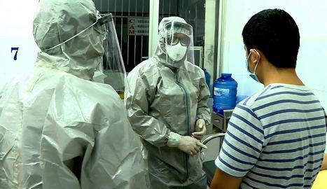 Les autoritats de Wuhan, la ciutat en la qual va sorgir el brot de coronavirus que ha deixat fins el moment 25 morts a la Xina, han començat a construir un hospital 'especial' amb 1.000 llits
