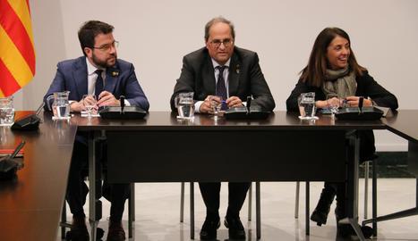 Els catalans tornen a suspendre el Govern amb un 4,65 de mitjana, segons el CEO