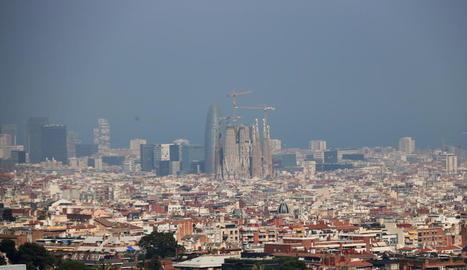 Imatge d'arxiu de pol·lució a Barcelona.