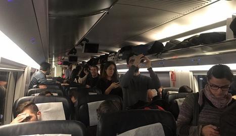 Imatge dels usuaris que divendres van viatjar drets en un AVE.