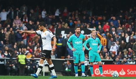 Messi i De Jong es mostren abatuts després del 2-0.