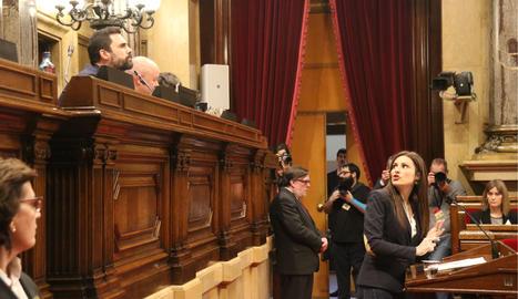 La líder de Cs, Lorena Roldán, discutint amb el president del Parlament, Roger Torrent, el 27 de gener del 2020