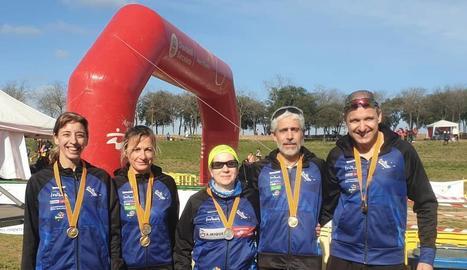 Atletes del Xafatolls que van participar en el Campionat de Catalunya Master.