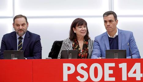 José Luis Ábalos, Cristina Narbona i Pedro Sánchez, ahir a l'Executiva del PSOE