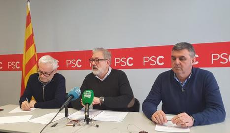 Jaume Sellés, Fèlix Larrosa i Joan Queralt, ahir al PSC.