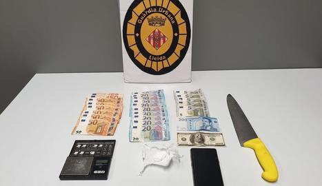 Objectes intervinguts a un detingut per tràfic de drogues a Cappont.