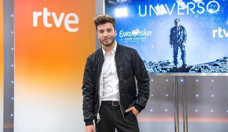 El cantant Blas Cantó, excomponent d'Auryn, va presentar ahir el videoclip i la cançó 'Universo'.