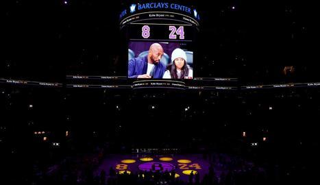 Els Nets van homenatjar Kobe i la seua filla Gigi deixant buits els seients que ocupaven al pavelló.