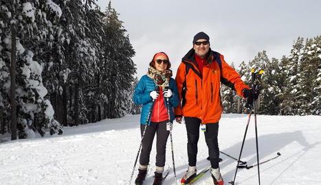 Miquel Parramon i la seua dona, el cap de setmana passat a les pistes de l'estació de Tuixent-la Vansa.