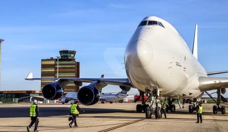 Llegada de un Boeing 747 al aeropuerto de Lleida-Alguaire