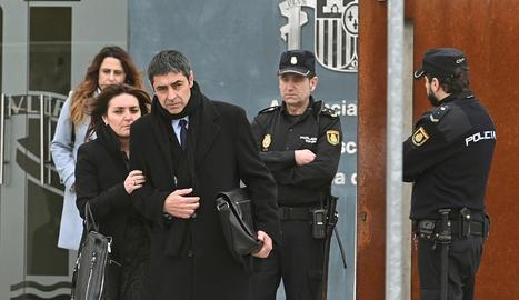 El major dels Mossos d'Esquadra, Josep Lluís Trapero, a la sortida del judici a l'Audiència Nacional.