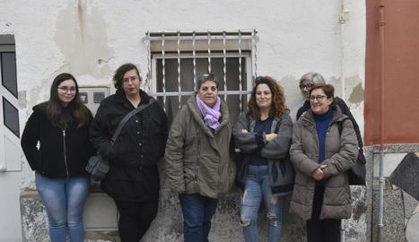 Voluntàries de l'entitat Progat, ahir a Lleida.