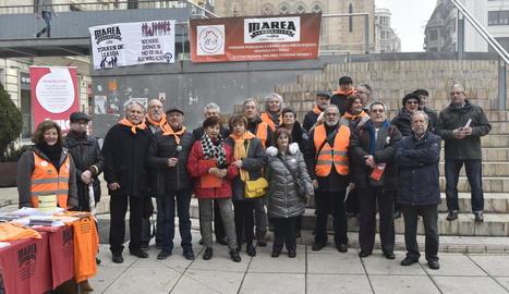 La Marea Pensionista va convocar ahir un acte a la plaça Sant Joan.