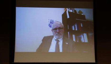 L'exconseller de Cultura Lluís Puig, en un moment de la seua videoconferència a la comissió del 1-O al Parlament.