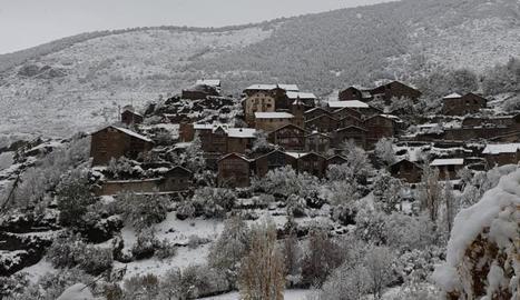 Farrera, al Pallars Sobirà, guadeix d'un entorn privilegiat.