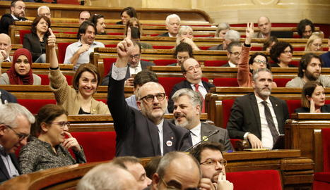 Un moment de la votació al Parlament.