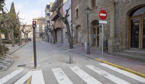 Imatge del semàfor de la plaça Vell Pla de Guissona.