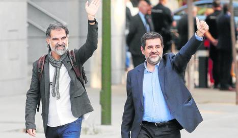 Jordi Cuixart i Jordi Sànchez, en una foto d'arxiu a l'arribar a l'Audiència Nacional el 2017.