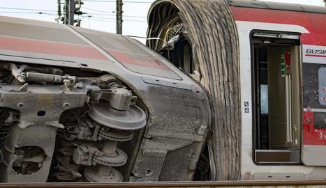 Imatge de dos dels vagons accidentats.